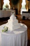 bröllop för 2 cake arkivbild