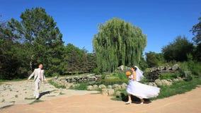 bröllop för brudgum för brudceremonikyrka lager videofilmer
