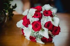 Bröllopbruden ringer buketten Royaltyfri Fotografi