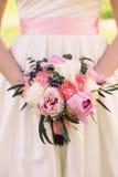Bröllopbukett av pioner Fotografering för Bildbyråer