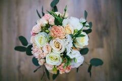Bröllopbukett med cirklar på den Royaltyfria Foton