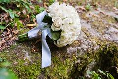 Bröllopbukett med låset Arkivfoto