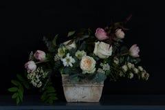 Bröllopbukett med lilan Royaltyfri Fotografi