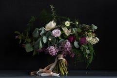 Bröllopbukett med lilan Royaltyfri Foto