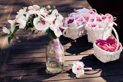 Bröllopbukett med orkidér Royaltyfria Bilder