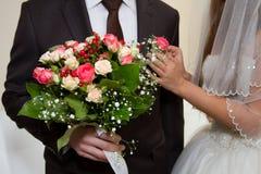Bröllopbukett och boutonniere Royaltyfri Fotografi