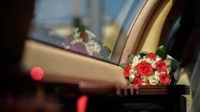 Bröllopbukett på tabellen Royaltyfri Fotografi