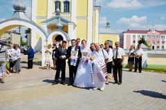 Bröllopceremoni i rysk ortodox kyrka Royaltyfri Bild