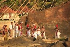 Bröllopceremoni på en strand, Unawatuna, Sri Lanka Royaltyfri Bild