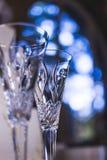 Bröllopchampagneexponeringsglas för brud och brudgum Royaltyfria Foton