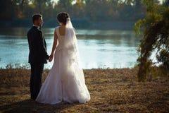Bröllopfotografi är det mycket härliga paret arkivbilder