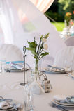 Bröllopgarnering i vitblått i ett nautiskt tema arkivfoton