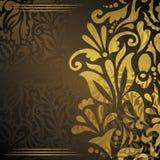 Bröllopinbjudan med guld- blom- garnering Arkivbild