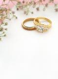 Bröllopinbjudan med kopieringsutrymme Arkivfoton