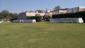 Bröllopkorridorer och att få bankettkorridorer i Ahmedabad lager videofilmer