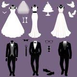 Bröllopkort med kläderna av bruden och brudgummen Bröllopse Fotografering för Bildbyråer