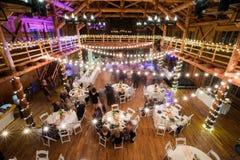 Bröllopmottagande som dansar lång exponering royaltyfria foton