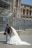 Brölloppar i staden av Rome italy Juli 21, 2013 royaltyfria foton