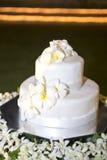 Bröllops vanilakaka arkivfoto