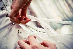 Bröllopsklänning Tid Fotografering för Bildbyråer