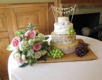 Bröllopstårta av ost Arkivbilder