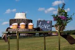 Bröllopstårta och fester Arkivbild