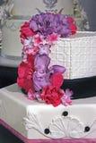Bröllopstårta som dekoreras special. Detalj 4 Fotografering för Bildbyråer
