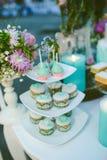 Bröllopstårtan bordlägger på fotografering för bildbyråer