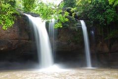 brölsuwatthailand vattenfall Royaltyfria Bilder