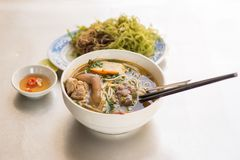 Brötchen-BO-Farbe - vietnamesische Nudel Lizenzfreies Stockfoto