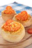 Brötchen mit Käse und Karotten Stockbild