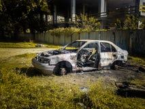 a brûlé la voiture voiture d'incendie criminel Véhicules brûlés image stock
