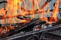 Brûlure de bois de chauffage photographie stock