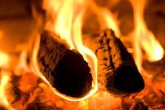 Brûlures de bois de chauffage Photos stock