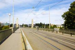Brücke über dem Aare-Fluss in Bern, die Schweiz Lizenzfreies Stockfoto
