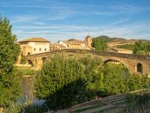 Brücke über dem Arga-Fluss- Puente-La-Reina stockfoto