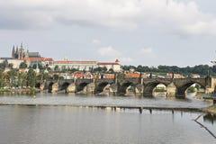 Brücke über dem Fluss Stockfoto