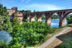 Brücke über dem Fluss in Albi Frankreich stockfoto