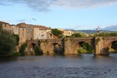 Brücke über dem Fluss Aude in Limoux, Frankreich stockbild