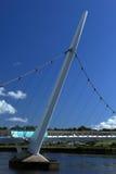 Brücke über dem Fluss Foyle von Derry stockbild