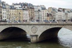 Brücke über dem Fluss Seine Lizenzfreies Stockbild