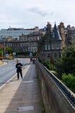 Brücke über dem Leith mit Dekan Village in Edinburgh, Schottland stockfotos