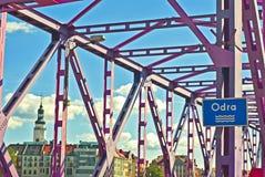 Brücke über dem Odra-Fluss stockbilder