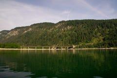 Brücke über dem Sylvensteinsee Stockbild
