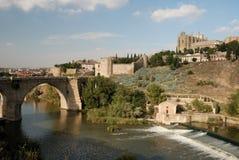 Brücke über dem Tagus-Fluss in Toledo stockfoto