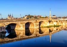 Brücke über der Loire in Blois, Frankreich Lizenzfreie Stockfotos