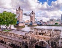 Brücke über der Themse Stockfotos