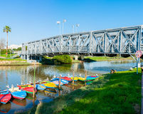 Brücke über einem Fluss Stockfotografie