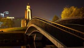 Brücke über einem Svisloch lizenzfreie stockfotografie