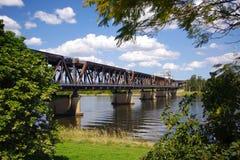 Brücke über Fluss Stockfoto